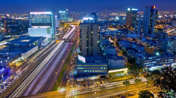 En Perú hay 36 empresas públicas, dentro de estas se encuentra Petroperú.