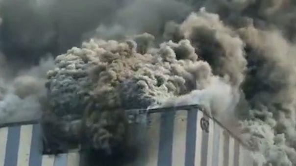 Instalaciones de Huawei bajo el fuego en Dongguan, China