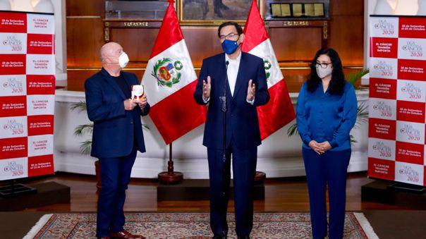 El presidente estuvo acompañado por su esposa, la primera dama Maribel Díaz.