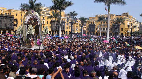 El arzobispo de Lima brindó consejos para poder vivir la espiritualidad desde las casa durante el mes de octubre.