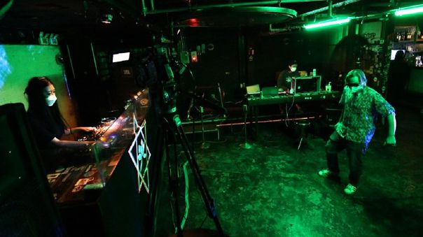 Fundado en 1994, el Club MWG conoció su momento de gloria en los años 90 cuando los clubes nocturnos eran todavía raros en Seúl.