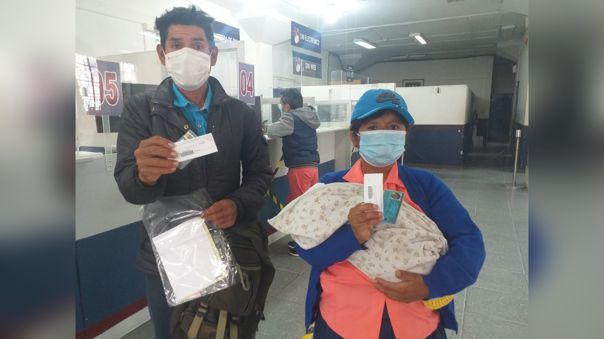 Padres lograron renovar sus documentos y tramitar el DNI para su bebita, luego de viajar tres días desde Cañaris.