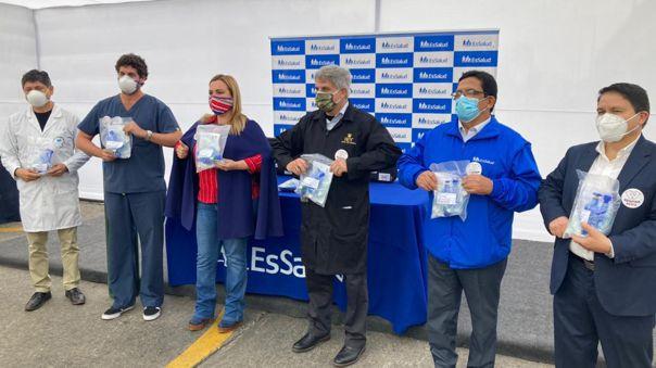 Respira Perú entregó ventiladores mecánicos al hospital Rebagliati para atender pacientes con COVID-19