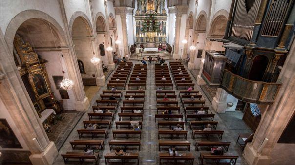 El mandatario expresó que los aforos serán reducidos una vez se reabran los templos.