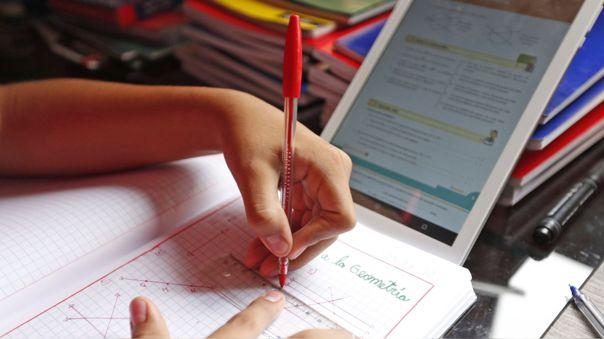 El titular de la cartera indicó que con la distribución de tablets a estudiantes, se podrán nivelar en los meses de enero y febrero.