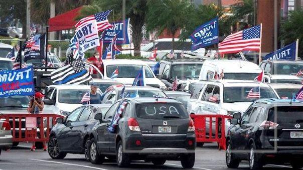Según los organizadores, unas 20 000 personas participaron en la manifestación.
