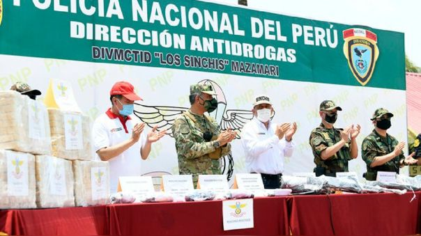 Ministro del Interior reconoció personalmente el trabajo esforzado de efectivos que combaten el narcotráfico y terrorismo en la zona.