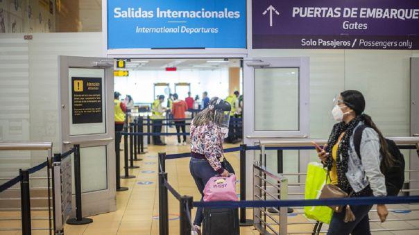 PERU-HEALTH-VIRUS-AIRPORT