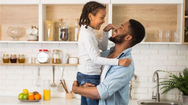 niña y padre