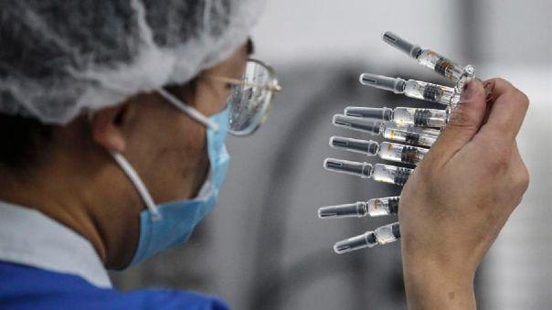 El funcionario indicó además que las vacunas que el país administra desde julio para casos especiales tampoco han mostrado efectos adversos.