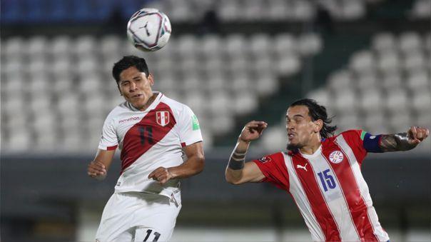 Raúl Ruidíaz fue titular contra Paraguay en Asunción