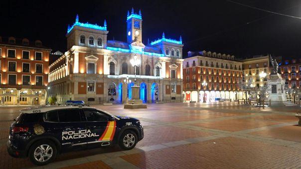 El gobierno español decretó el domingo un estado de alarma e impuso un toque de queda nocturno en todo el país a excepción de las islas Canarias.