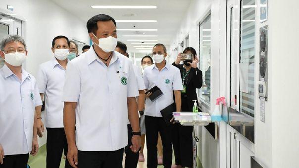 El ministro tendrá que permanecer en cuarentena en un hospital de Bangkok.