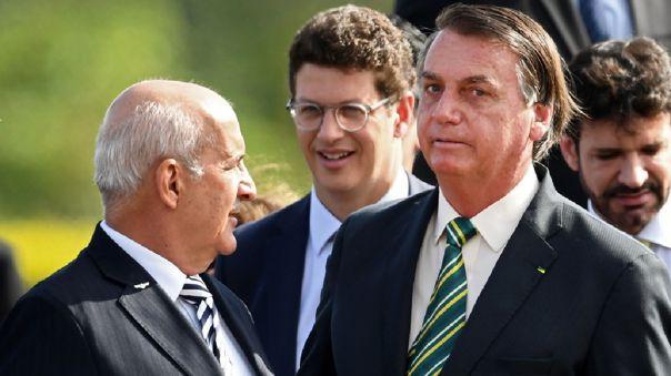 Bolsonaro evitó pronunciarse sobre la reñida votación entre Joe Biden y Donald Trump.