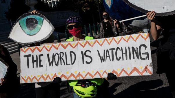 El mundo continúa a la expectativa del conteo de votos para elegir al próximo presidente.