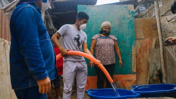 Entrega gratuita de agua potable
