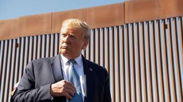 En enero de 2017 el mandatario lanzó el proyecto de construcción de un muro antiinmigración en la frontera entre Estados Unidos y México.