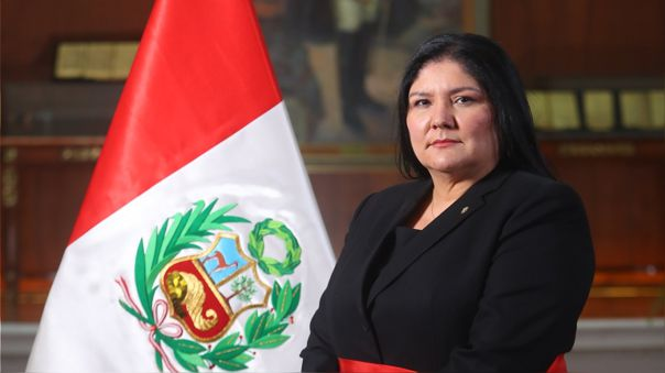 Nuria Esparch se convierte en la primera mujer en liderar el Ministerio de  Defensa [Perfil] | Francisco Sagasti | RPP Noticias