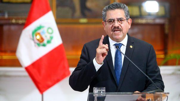 Presidente Manuel Merino anuncia su renuncia al cargo de preside