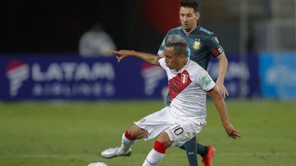 Christian Cueva fue titular frente a Argentina en Lima