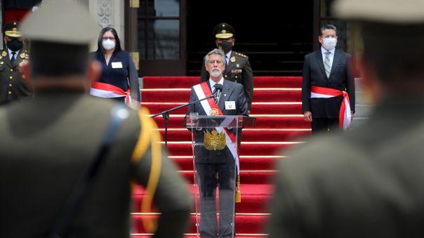 Presidente Sagasti fue reconocido como Jefe Supremo de las Fuerzas Armadas y de la Policía.