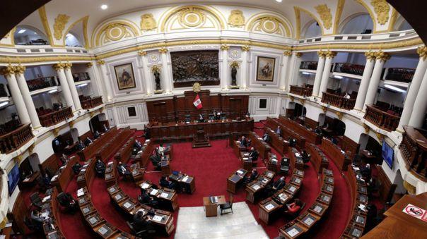 Algunos parlamentarios han planteado una nueva Constitución.
