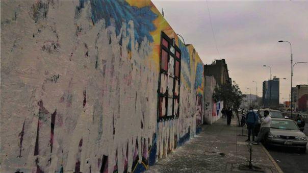 Las pintas en homenaje a Inti Sotelo y Bryan Pintada amanecieron manchadas este miércoles.