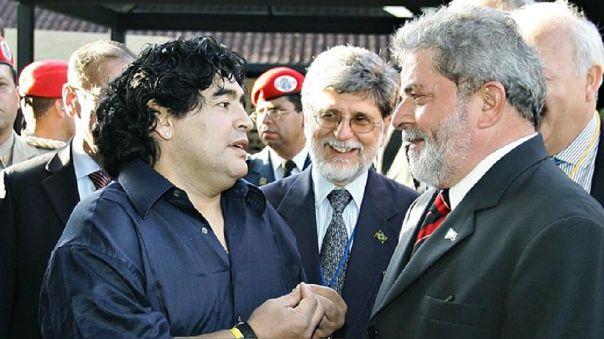 El expresidente de Brasil compartió una imagen tras la muerte de Maradona.