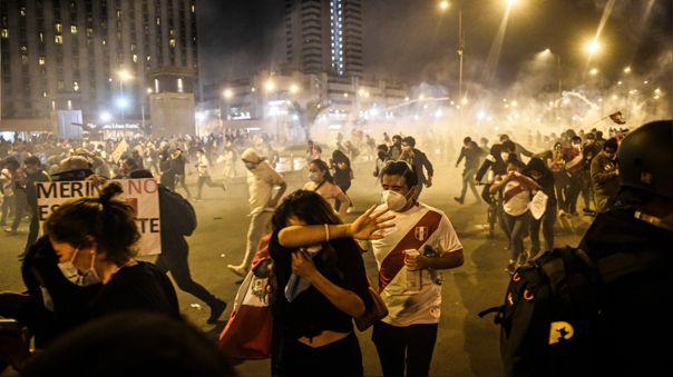 Dos personas fallecieron en las recientes protestas por la crisis política.
