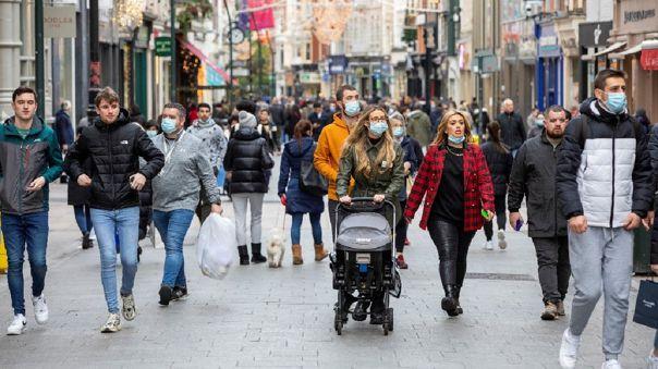 Antes de Navidad, el gobierno ha instado a la población a usar las mascarillas también al aire libre en las