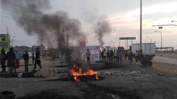 Este martes continúan las protestas al sur del país para derogar el decreto que extiende por diez años la ley de promoción agraria.