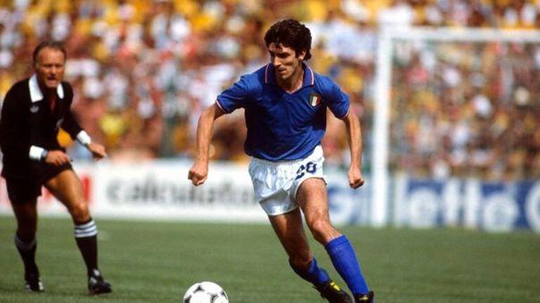 Paolo Rossi en acción en el Mundial España 1982 con la Selección de Italia.