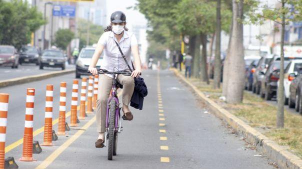 Mas personas empezaron a movilizarse con bicicletas por las calles de Lima.
