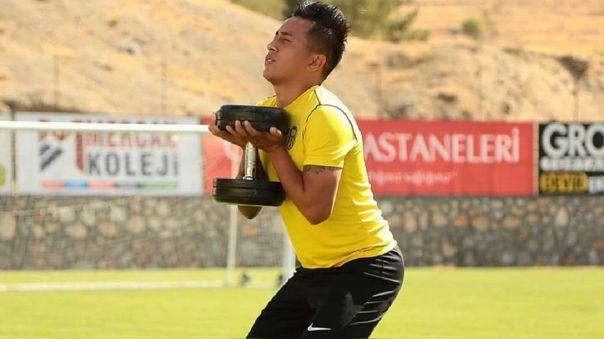 Christian Cueva firmó por un año con Yeni Malatyaspor