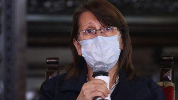 Días después de que el Instituto Nacional de Salud (INS) suspendiera temporalmente los ensayos clínicos de la candidata a vacuna contra la COVID-19 de Sinopharm en el país, la ministra Mazzetti confirmó que hoy se levantó dicha suspensión y se continuará con los estudios.