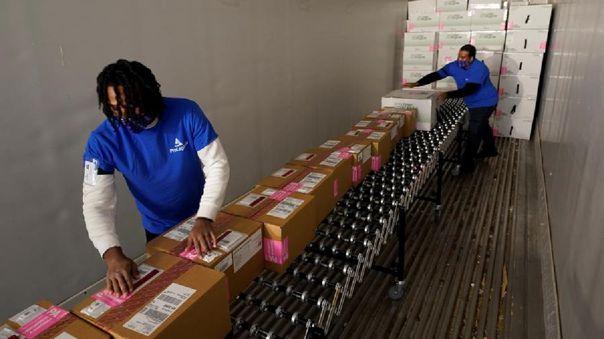 EE.UU. se convertirá el lunes en el único país del mundo que tiene dos vacunas contra la COVID-19.