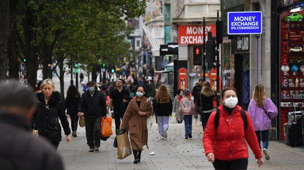 326 personas mueren por covid-19 en el Reino Unido