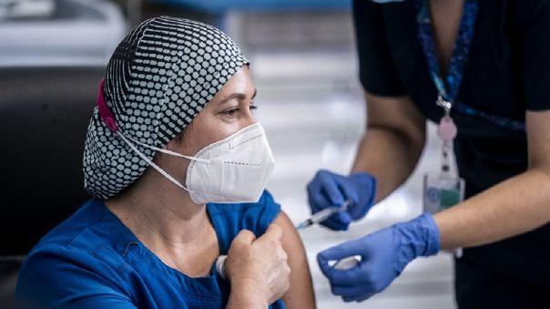 Riquelme trabaja desde hace 26 años en el Hospital Sótero del Río, en la comuna de Puente Alto, una de las más pobladas de Santiago.