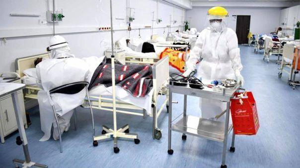 Muchos pacientes esperan una cama UCI en los hospitales de Piura.