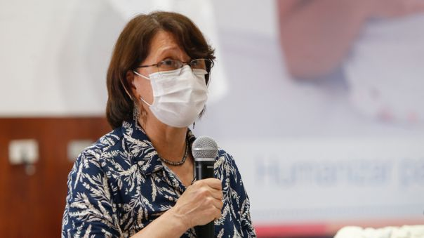 Ministra de Salud se refirió a sus cuestionamientos a un sector de médicos.