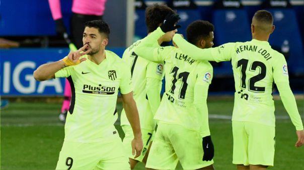 Luis Suárez y los números que pulverizan a tres delanteros titulares del Barcelona