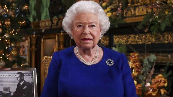 Empleado de la reina Isabel II robó en la residencia londinense