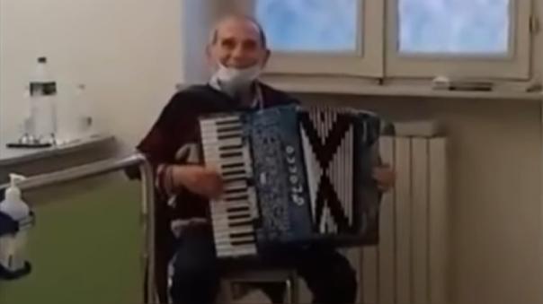 Stefano Bozzini, un anciano italiano de 81 años, dio positivo a coronavirus