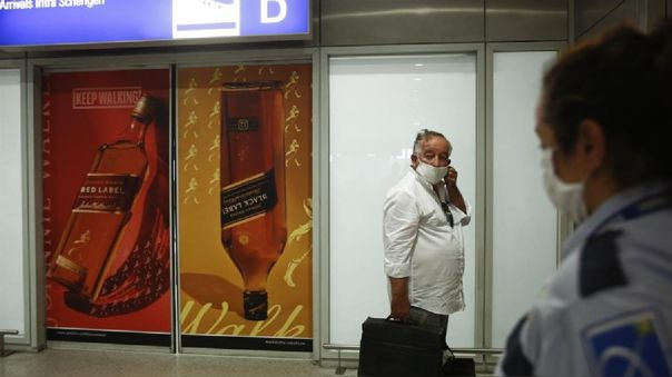 Grecia establece  cuarentena para viajeros