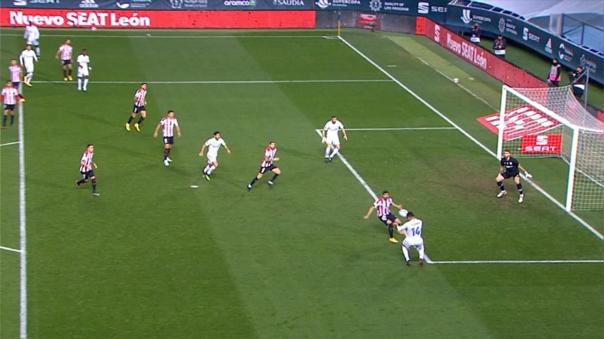 Karim Benzema anotó el descuento de Real Madrid ante Athletic Club
