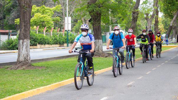 Durante la pandemia por la Covid-19, movilizarse en bicicleta es una buena opción para la salud.