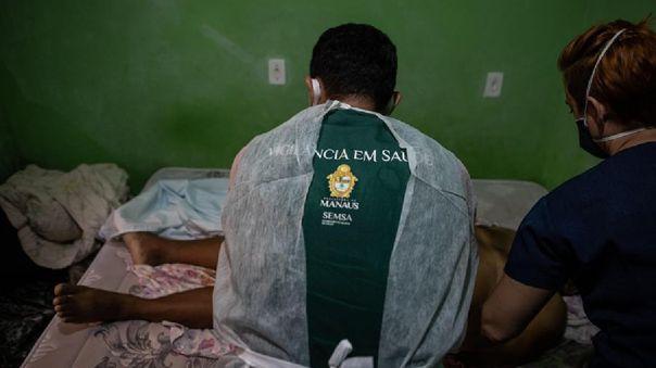 Entre el lunes y el viernes fueron sepultados en Manaos más de un millar de muertos.