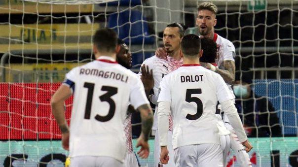 Zlatan Ibrahimovic anotó dos goles en la victoria del Milan ante Cagliari