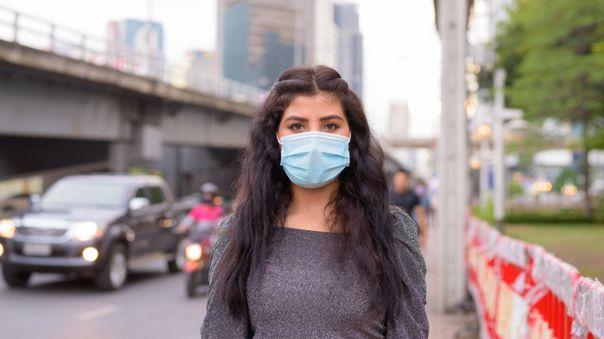 Para proteger nuestra salud y la de los demás, es obligatorio el uso permanente de mascarilla en los espacios públicos.