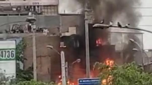 Bomberos lograron controlar incendio en Comas